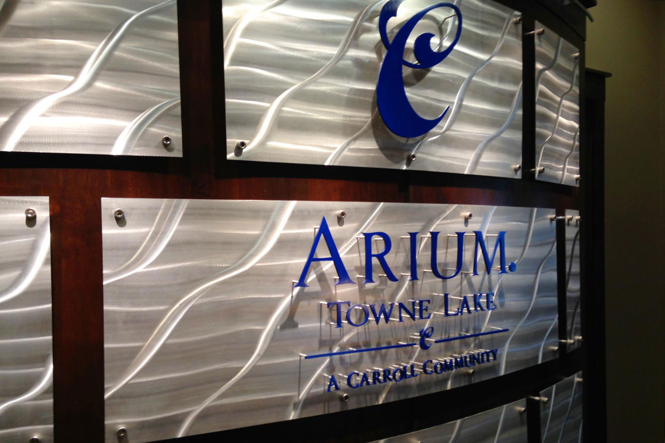 Arium Towne Lake Dimensional Letters in Leasing Office