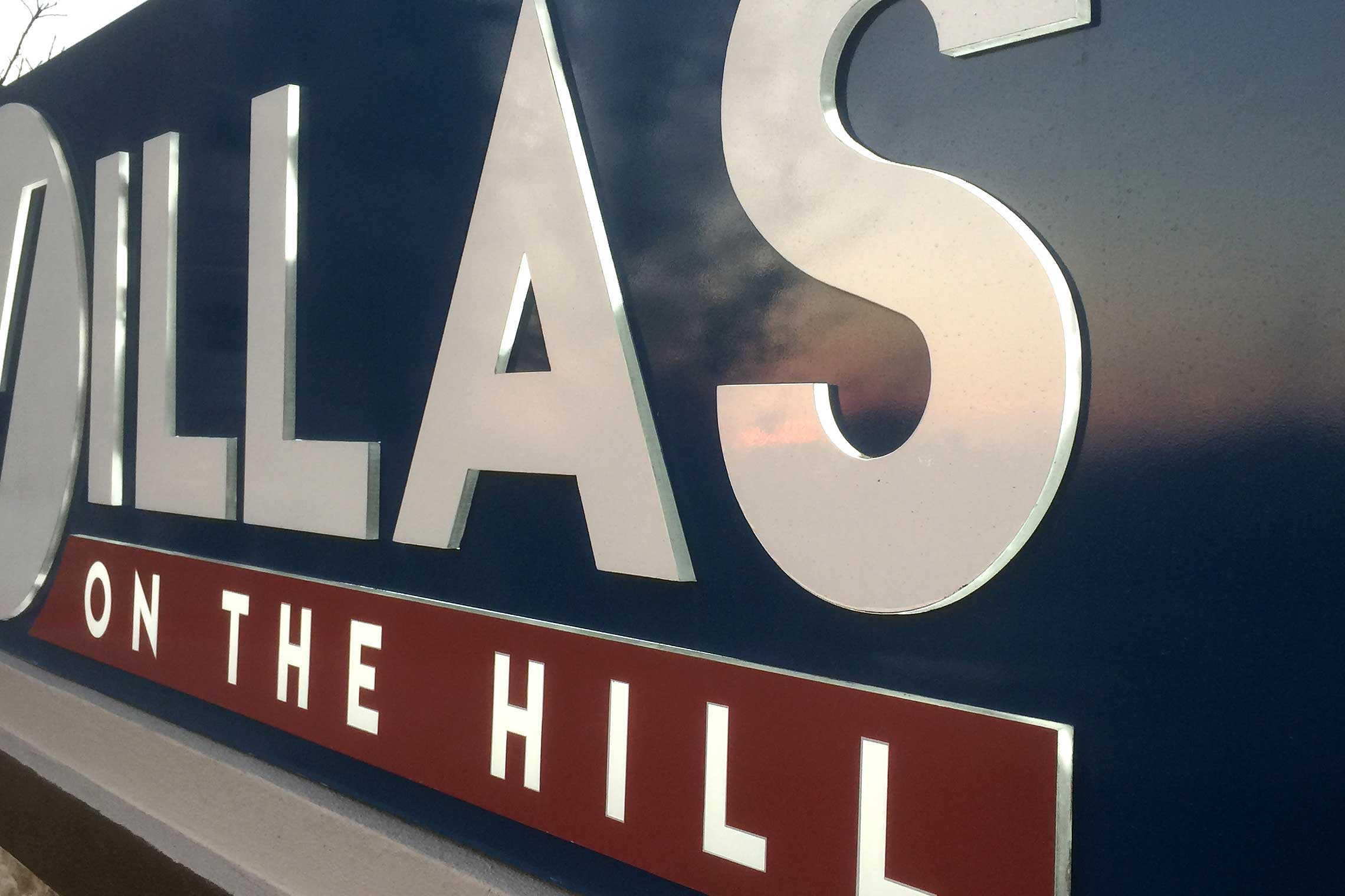 Villas on the Hill Apartments - Painted Aluminum Cabinet Monument with LED Push-Thru Edge-Lit Letters