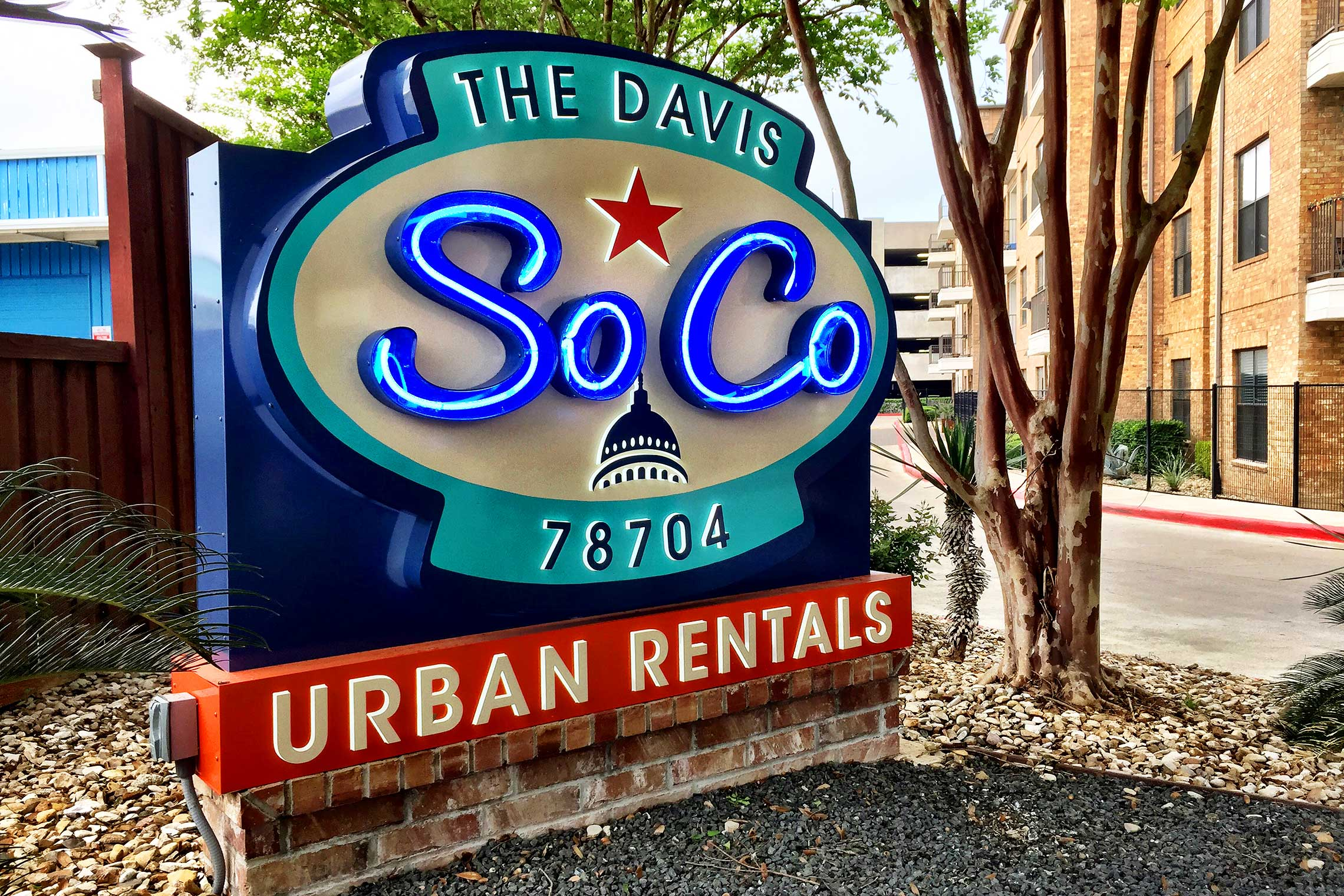 The Davis Soco Urban Rentals Retro-Inspired Illuminated Monument