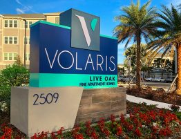 Volaris Live Oak Monument