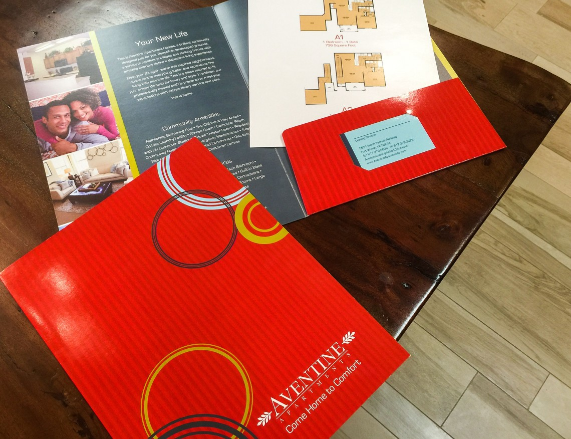 Design Print & Sign Studio - Aventine Pocket Folder and Floor Plan Inserts in the Circles Series